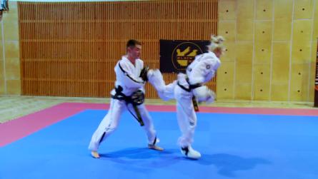 Taekwondo_18tylrekadoldolDwit.0003